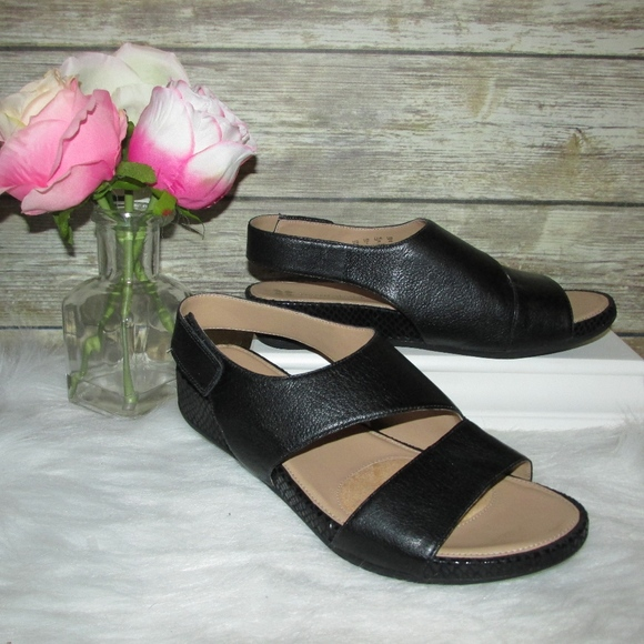 c7f5e17f6366 Naturalizer Yessica Black Leather Wedge Sandals. M 5ac821f6daa8f6544b4afa9a
